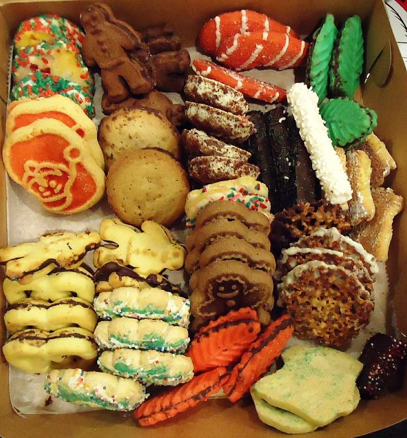 Assorted-cookies-in-a-box-at-a-party